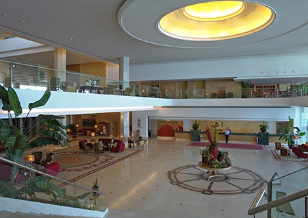 Lobby of the Hotel Cascais Miragem