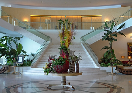 Lobby, stairs and entrance to the conferences area